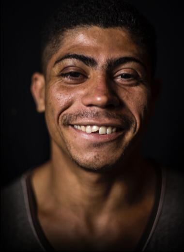 Foto do rosto do morador de rua